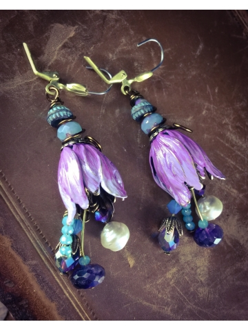 Light Violet Ombre affect tulip Swarovski crystal pearl and turquoise earrings