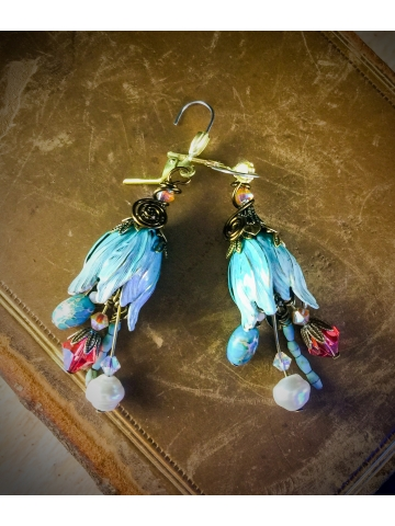 Aqua Turquoise Ombre affect tulip Swarovski crystal pearl and turquoise earrings